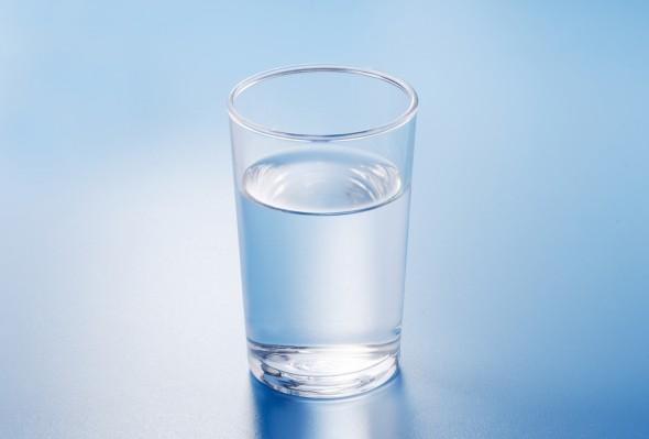 コップ 水素水