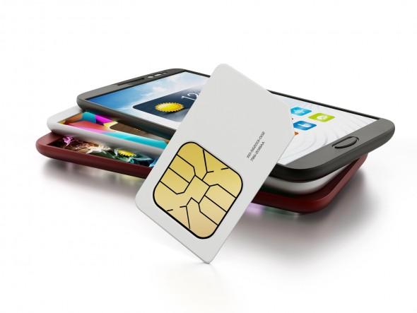 SIMカードとスマートフォン