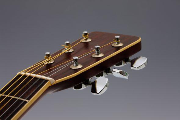 弦高調整済みのギターのイメージ